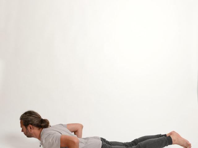 04 Shalabasana-Heuschrecke-Yoga-Unna-Kamen
