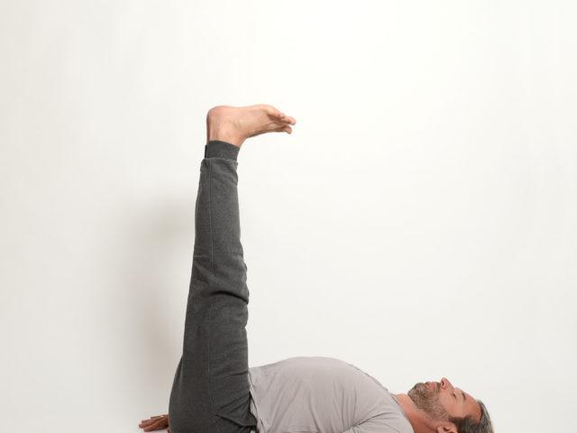 10 Ardha-Halasana-Halbe-Pflughaltung-Yoga-Unna-Kamen