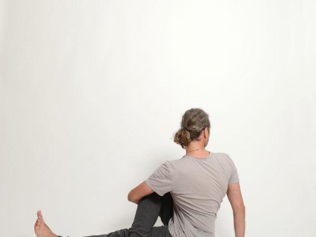 13 Vakrasana-Drehsitz-rechts-Yoga-Unna-Kamen